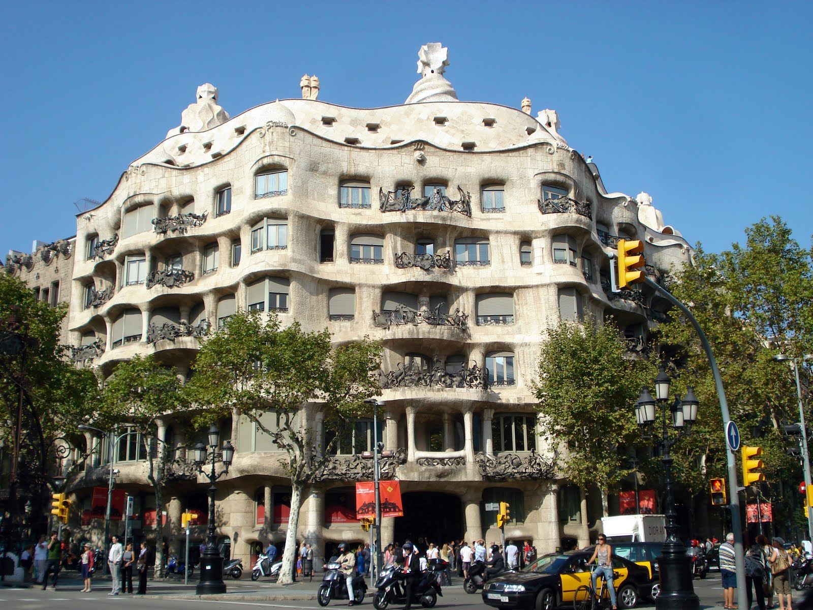 Gaudi ear conditioning for Architecture gaudi