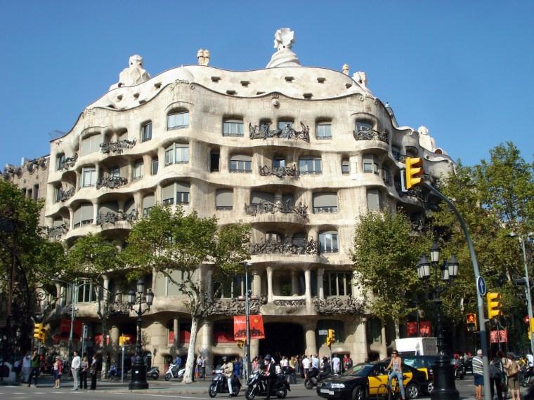 BA Gaudi Buildings 5